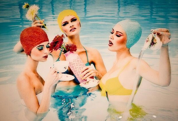 Swimming in style | we love the fifties | Pinterest | Vintage mode ...
