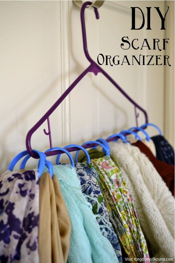 Shower curtain rings+ Hanger = DIY Scarf Organizer!