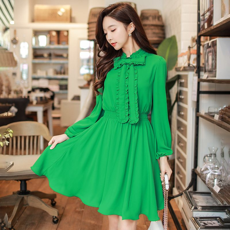 4e3f03d956e3 Dabuwawa 2018 Green Spring Summer Dress Long Sleeve Casual Chiffon Dress  Vintage Ladies Ruffles A Line Dress-in Dresses from Women's Clothing &  Accessories ...