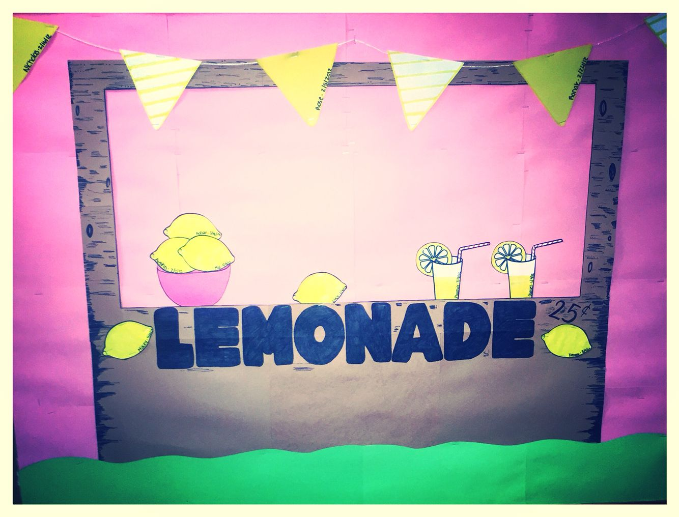 Go green vegetable bulletin board idea myclassroomideas com - Summer Bulletin Board Lemonade Stand