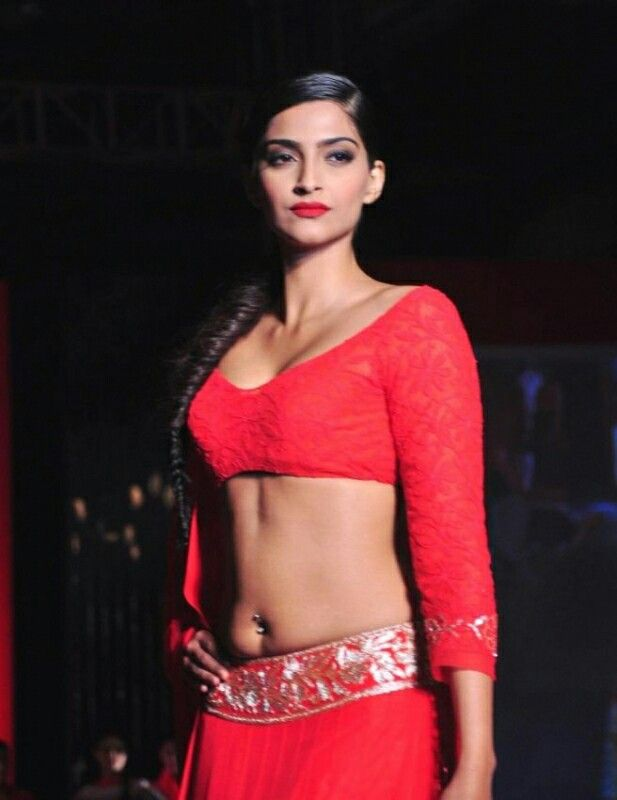 334df7244e50c Sonam Kapoor Wearing Red Blouse