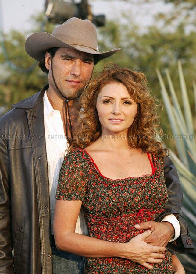 Pin By Azul Ocampo On Destilando Amor Couple Photos Cowboy Hats Fashion