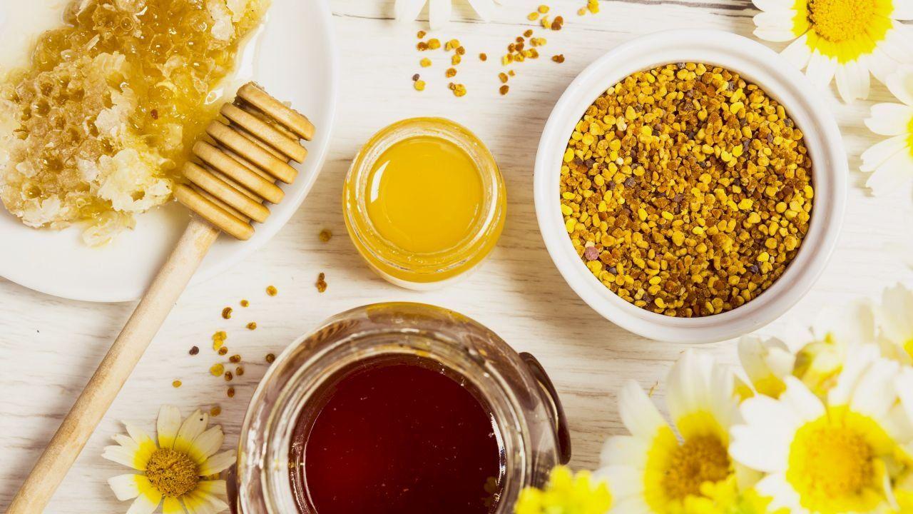 فوائد غذاء ملكات النحل Morning Breakfast Healthy Healthy Organic Breakfast Honey Breakfast