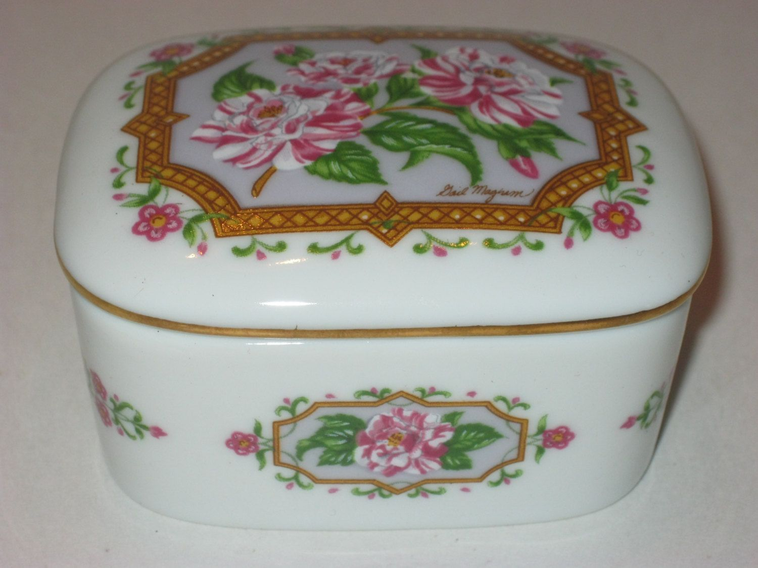 Porcelain Floral Music Box Heritage House Trinket Box Love Etsy Trinket Boxes Music Box Heritage House