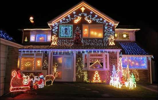 In photos Burnham-On-Sea\u0027s Trinity Close lights up for Christmas