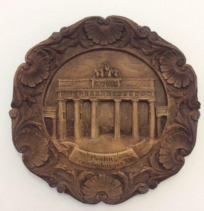 Resin 3D BERLIN GERMANY Souvenir Plate Brandenburger Tor