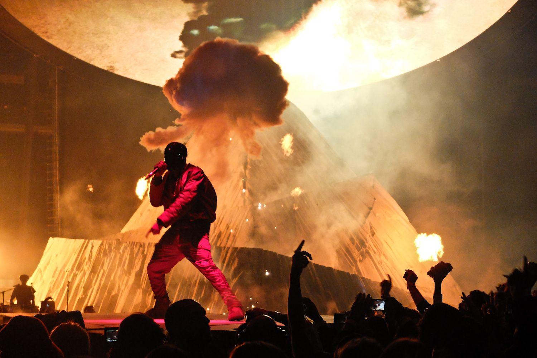 Kanye west yeezus show at madison square garden new york - Kanye west tickets madison square garden ...