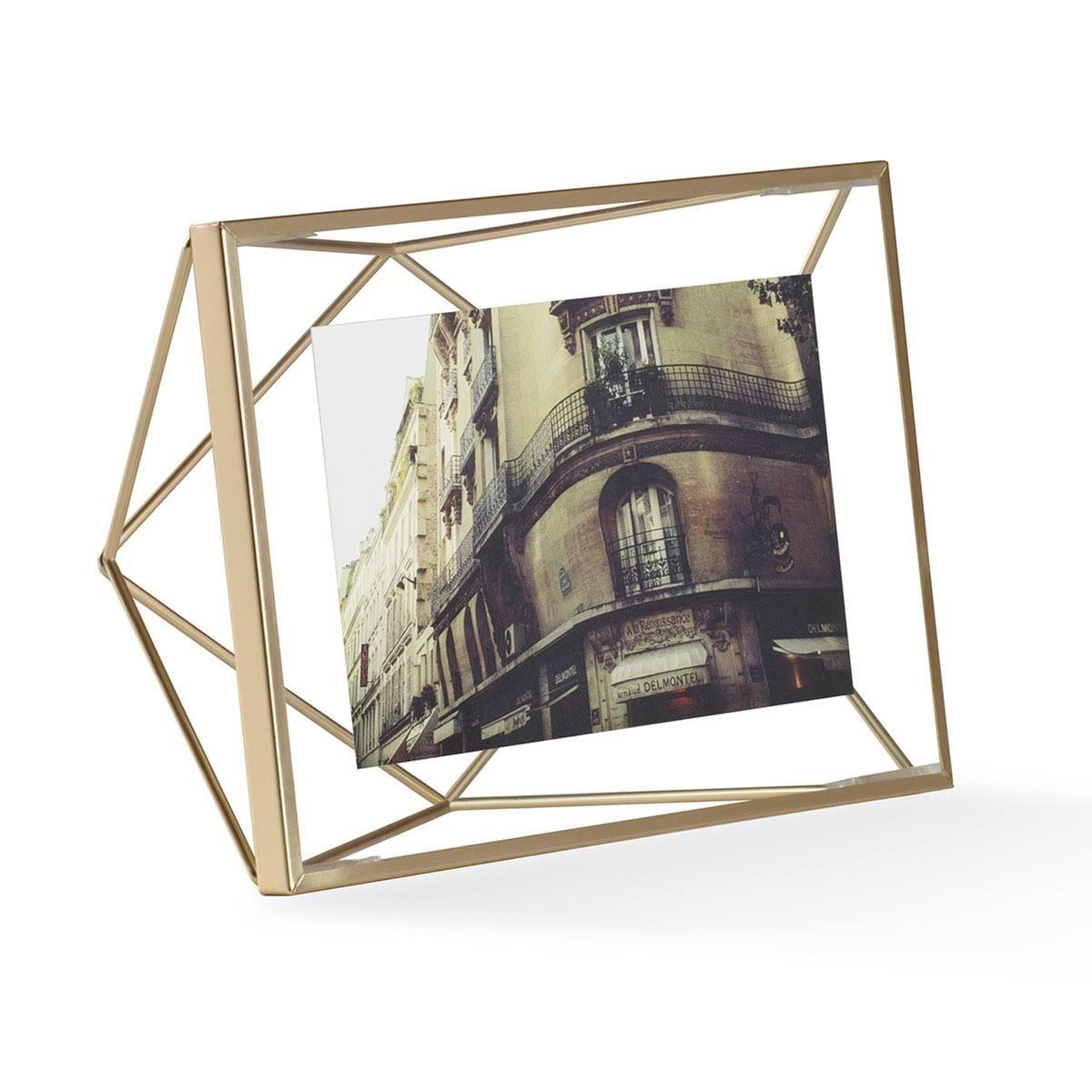 Cadre photo à poser de forme géométrique en métal prisma or moyen