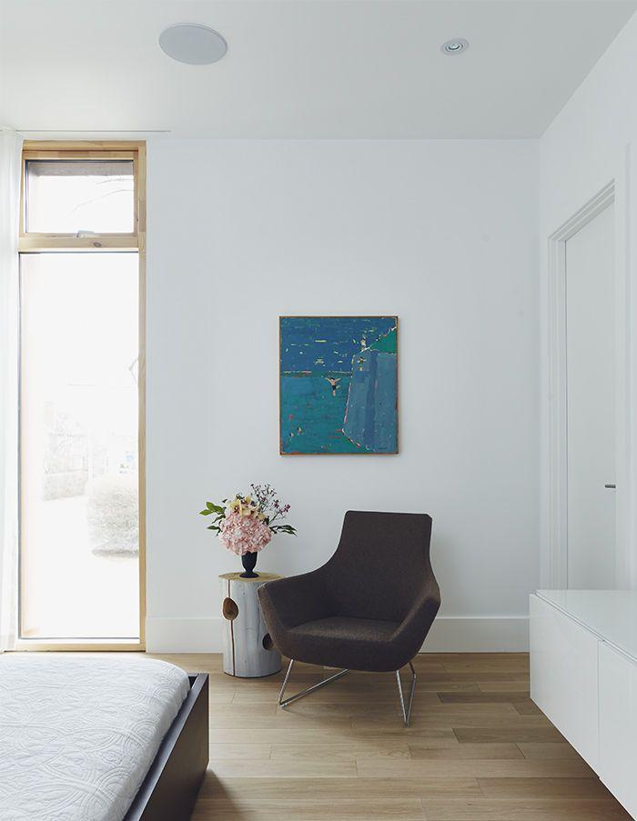 Minimalist Toronto Home & Futuristic Automation | Audio speakers ...