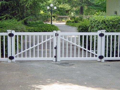 Vinly Picket Swing Driveway Gate Driveway Gate Diy Driveway Wood Gates Driveway