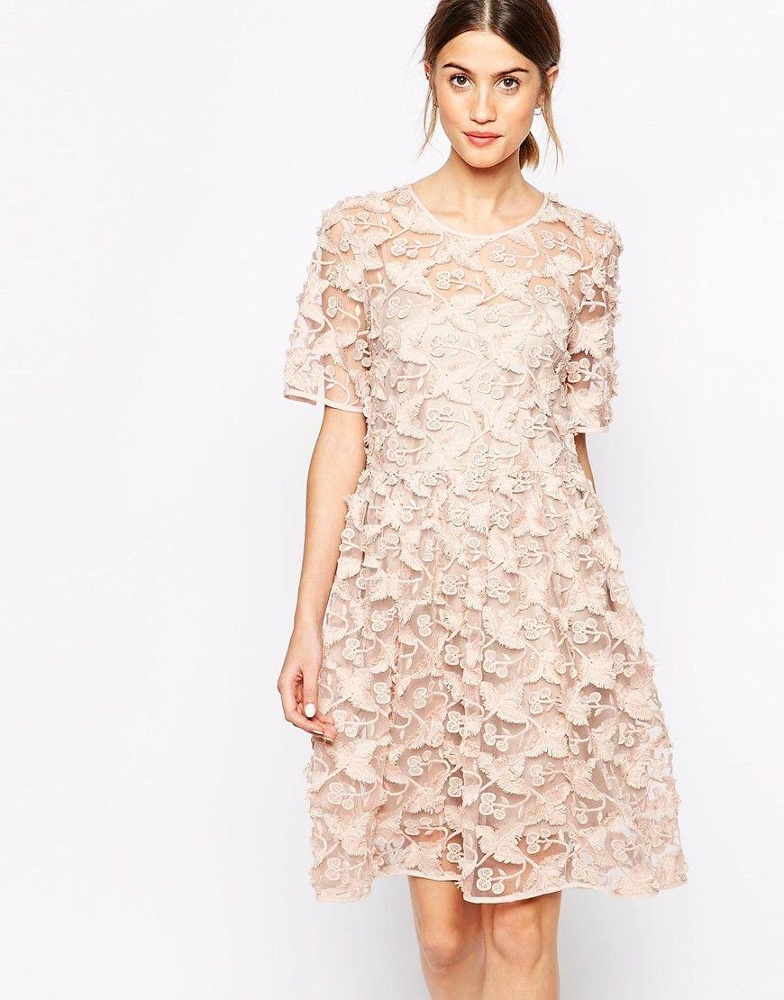 Bridesmaid - Baum und Pferdgarten Adina Tea Dress in Floral Applique ...