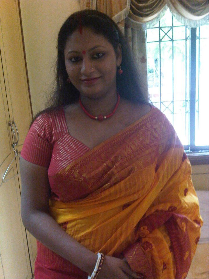 South Indian aunty in saree