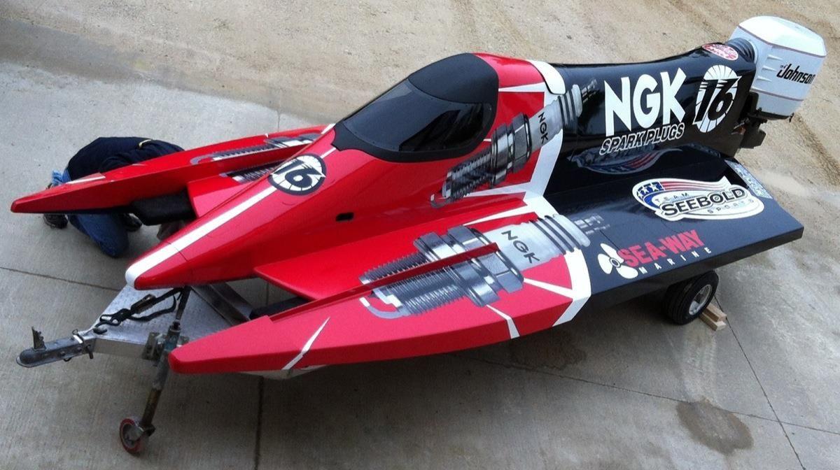 Champ Boats F1 Champion Boat Racer Tim Seebold Testing F1 Prop