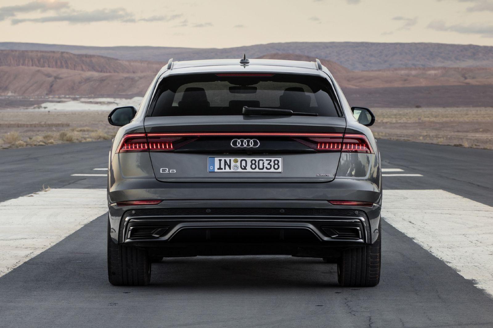 Megerkezett Az Audi Q8 Autoblog Audi Black Porsche Concept Cars