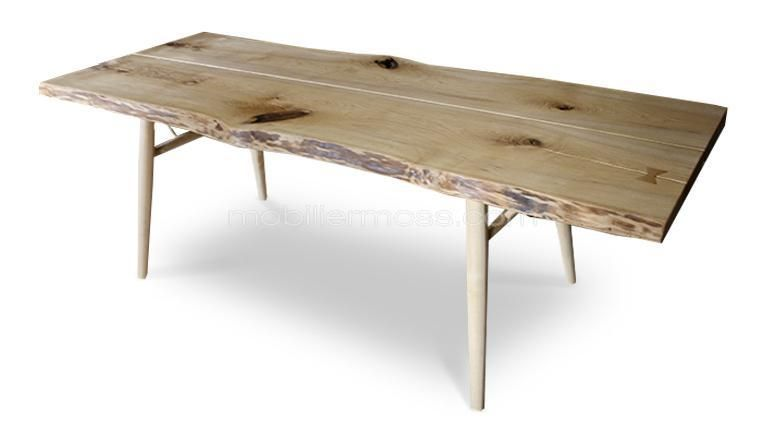 Table manger style scandinave en bois brut massif - Table en bois brut design ...