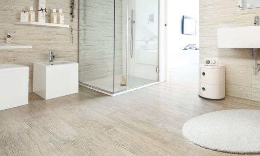 salle de bain avec carrelage imitation