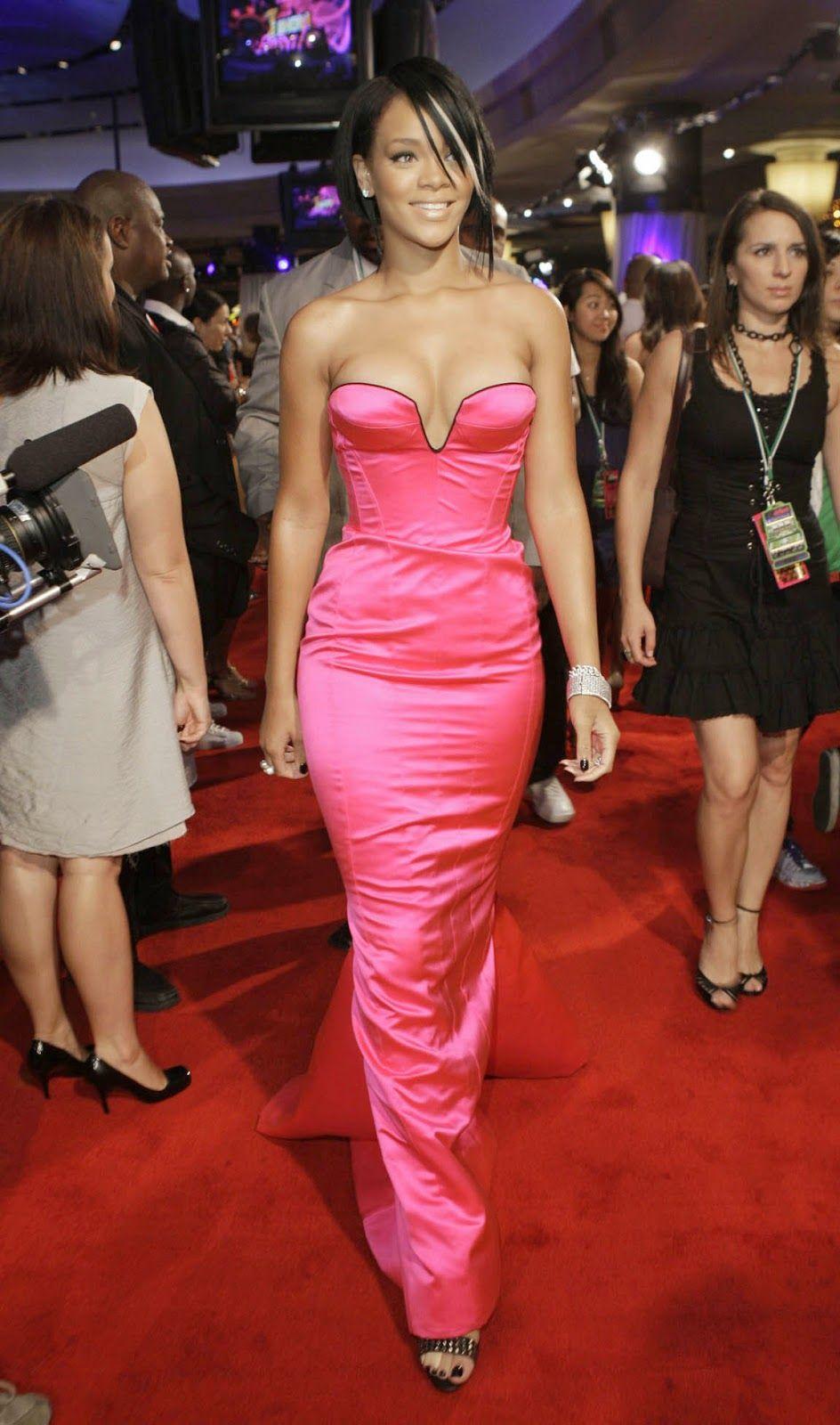 Rihanna y sus mejores vestidos de fiesta | Vestidos de Famosas ...
