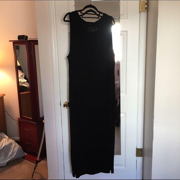 Vikki Vi long dress Vikki Vi long black dress. Very slinky material and super slimming. Vikki Vi Dresses