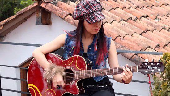 """Desde Mosquera, un municipio al occidente de Bogotá, la joven cantautora Carol Rodriguez nos habló de """"Quisiera"""", el primer sencillo de su carrera"""