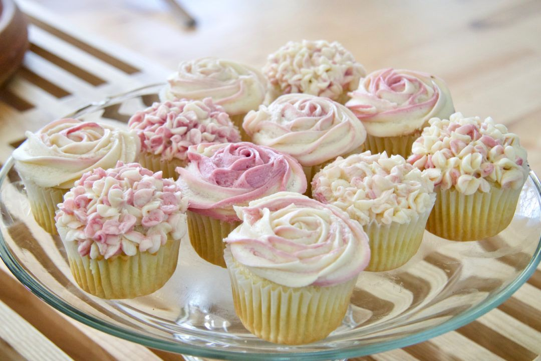 Rose and hydrangea cupcakes whole foods bakery no bake
