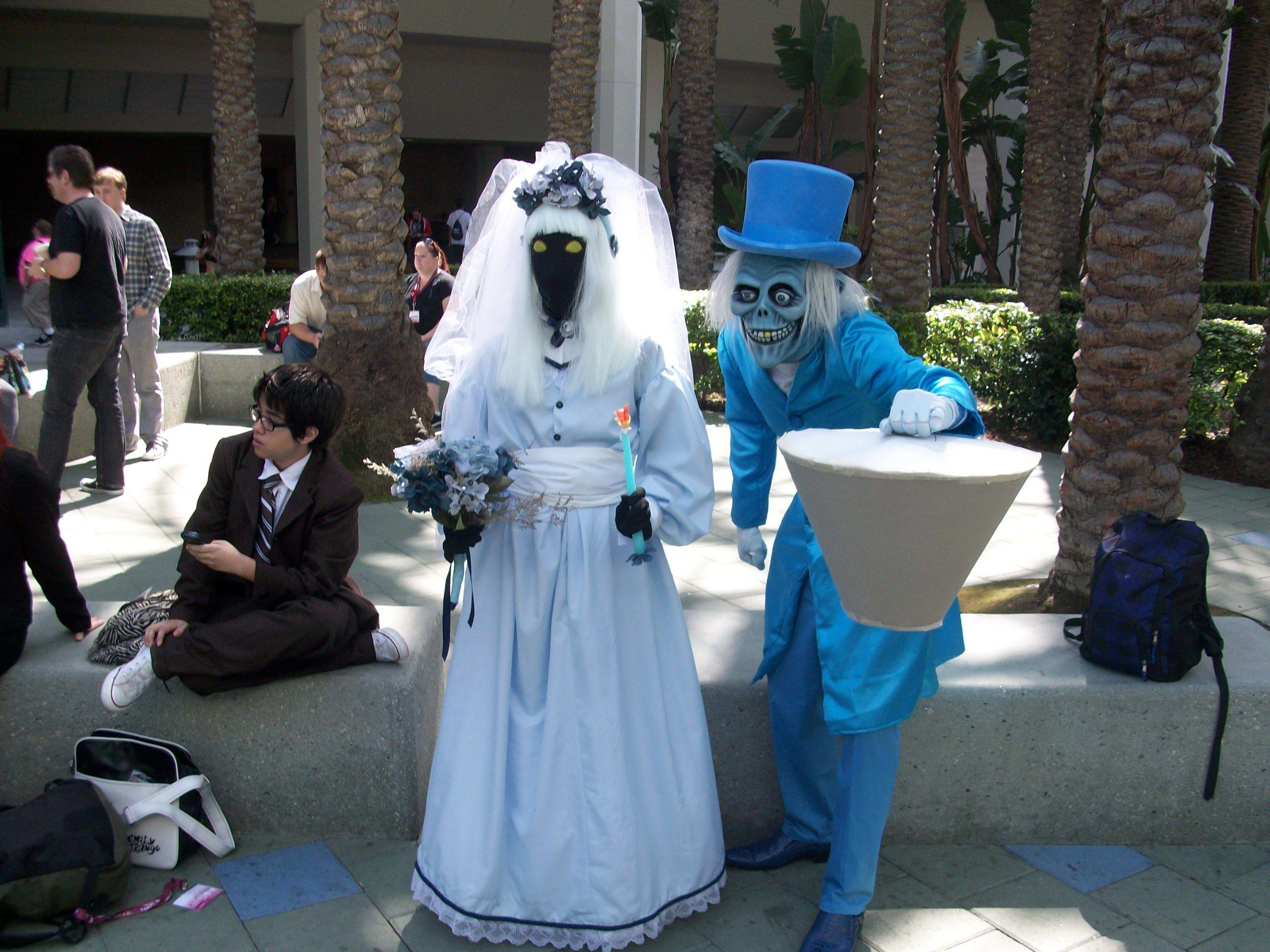 Cosplay Haunted Mansion Disney Buscar Con Google Disney Haunted Mansion Haunted Mansion Hatbox Ghost