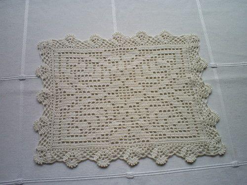 Napperon rectangulaire et sa grille gratuite au crochet - Napperon crochet grille gratuite ...