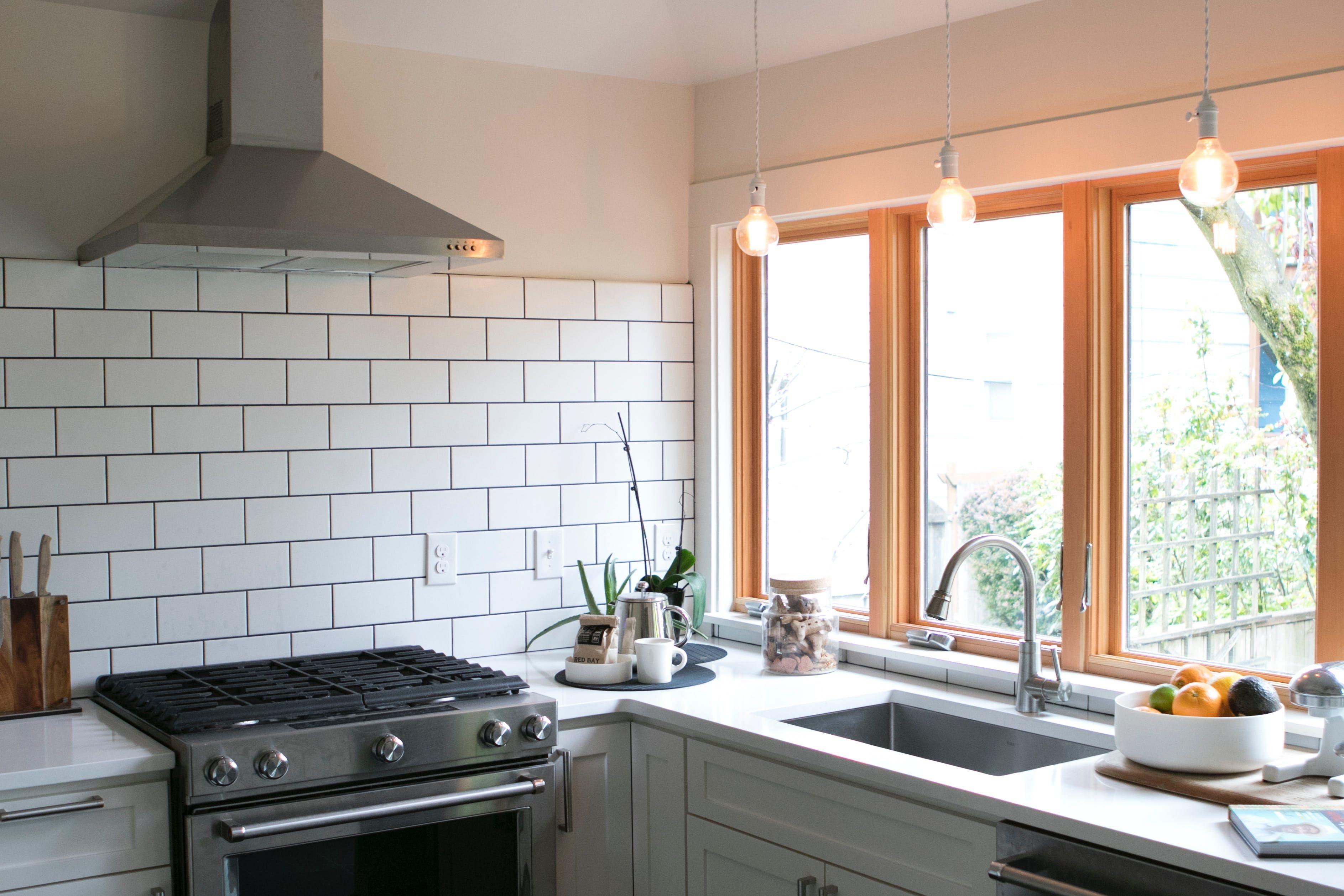 A Wonderful Remodeled Portland Home Embraces Wabi-Sabi   Cocinas