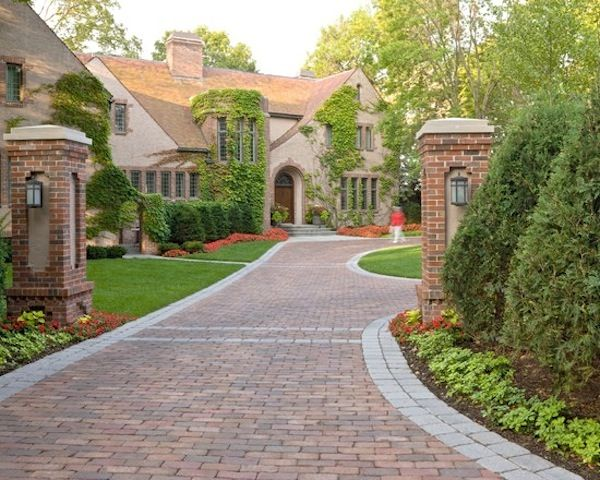 Climbing Ivy | Country Cottage | Curb Appeal | Driveway Ideas | Landscape Design | Brick Pavers