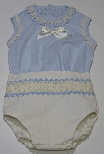 82f0feb9a Conjunto para bebe niño de camisa de plumeti celeste adornada con  tirabordada beigue y braga en piqué beige adornada con tirabordada y  piquillo.