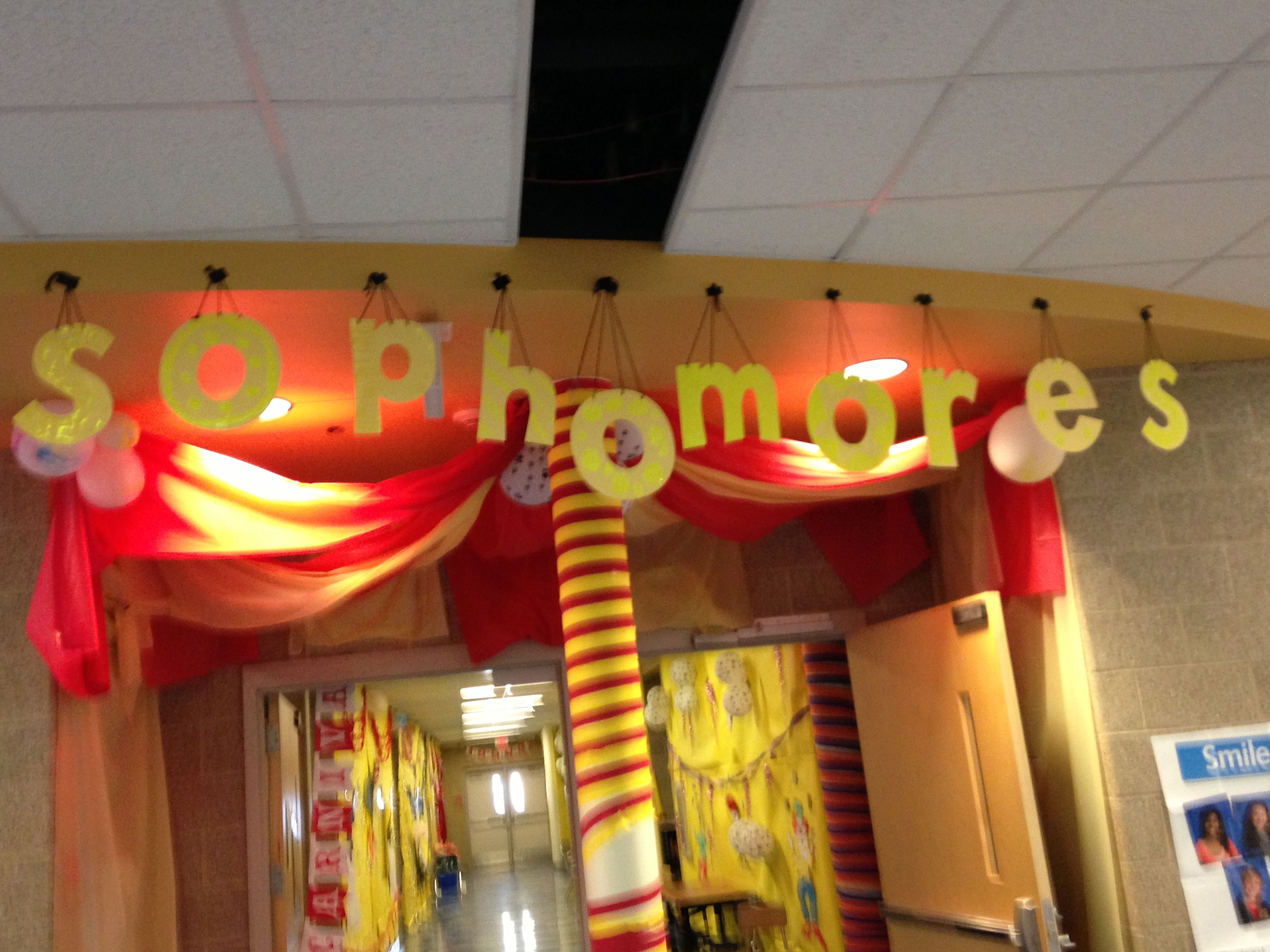Sophomore Class Hallway For Circus Theme Homecoming Decorations