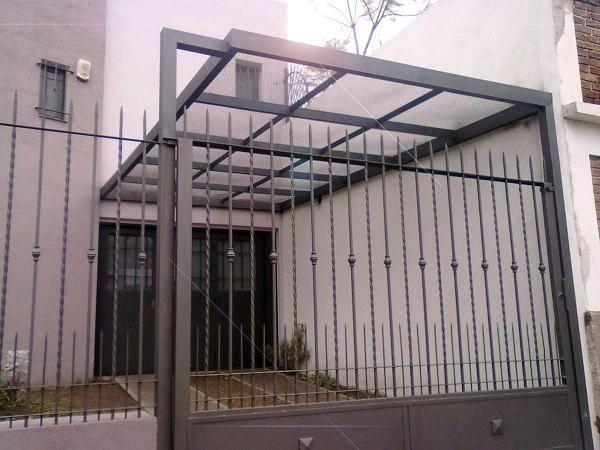 Techo para cochera en policarbonato zona oeste the house for Garajes con techos policarbonato