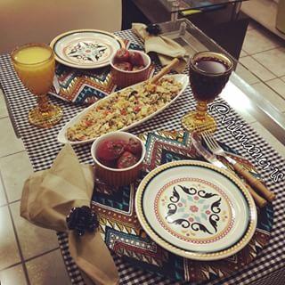 O q temos pra hoje: Salada Marroquina e Morango c Nutella!!! #mesapostavilmaneris