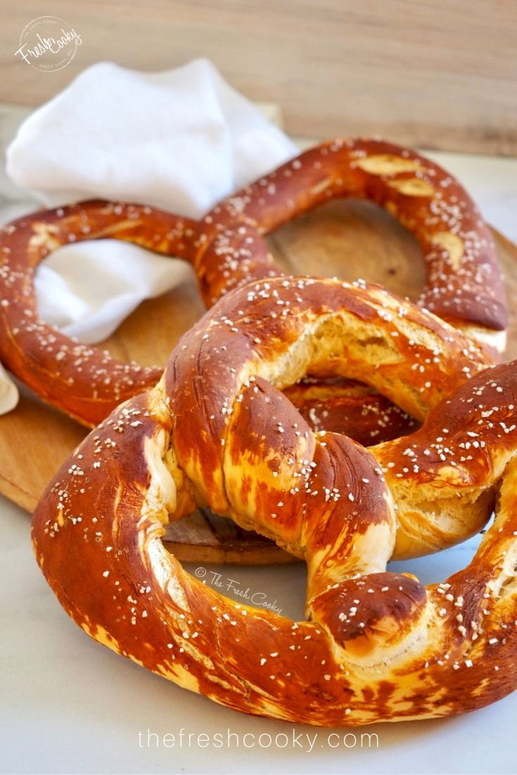 Traditional German Pretzels (Laugenbrezel) These are the most PERFECT Authentic German Homemade Soft Pretzels you'll ever have! Soft, chewy with a golden crust. Done in under an hour! So simple and delicious to make! Recipe via @thefreshcooky  
