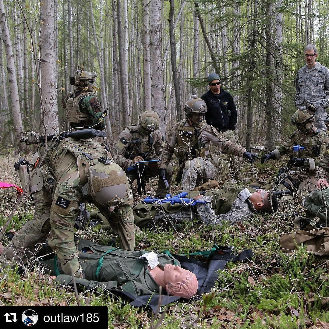 #Repost from @outlaw185  Alaska Air National Guard pararescuemen assigned to the 212th Rescue Squadron treat multiple simulated patients at a casualty collection point while participating in a mass-casualty exercise at Joint Base Elmendorf-Richardson Alaska. During the exercise the rescue operators located assessed treated and evacuated numerous casualties while engaging and eliminating multiple attacks from opposition forces. In addition to training for combat search and rescue mission the…