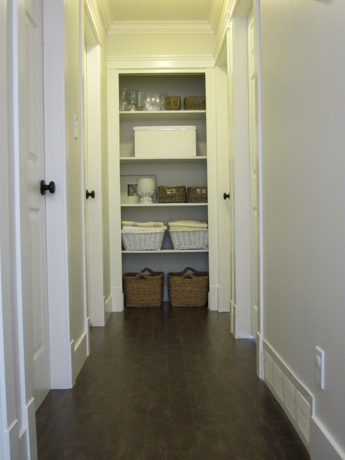 Love The Hallway And Open Closet