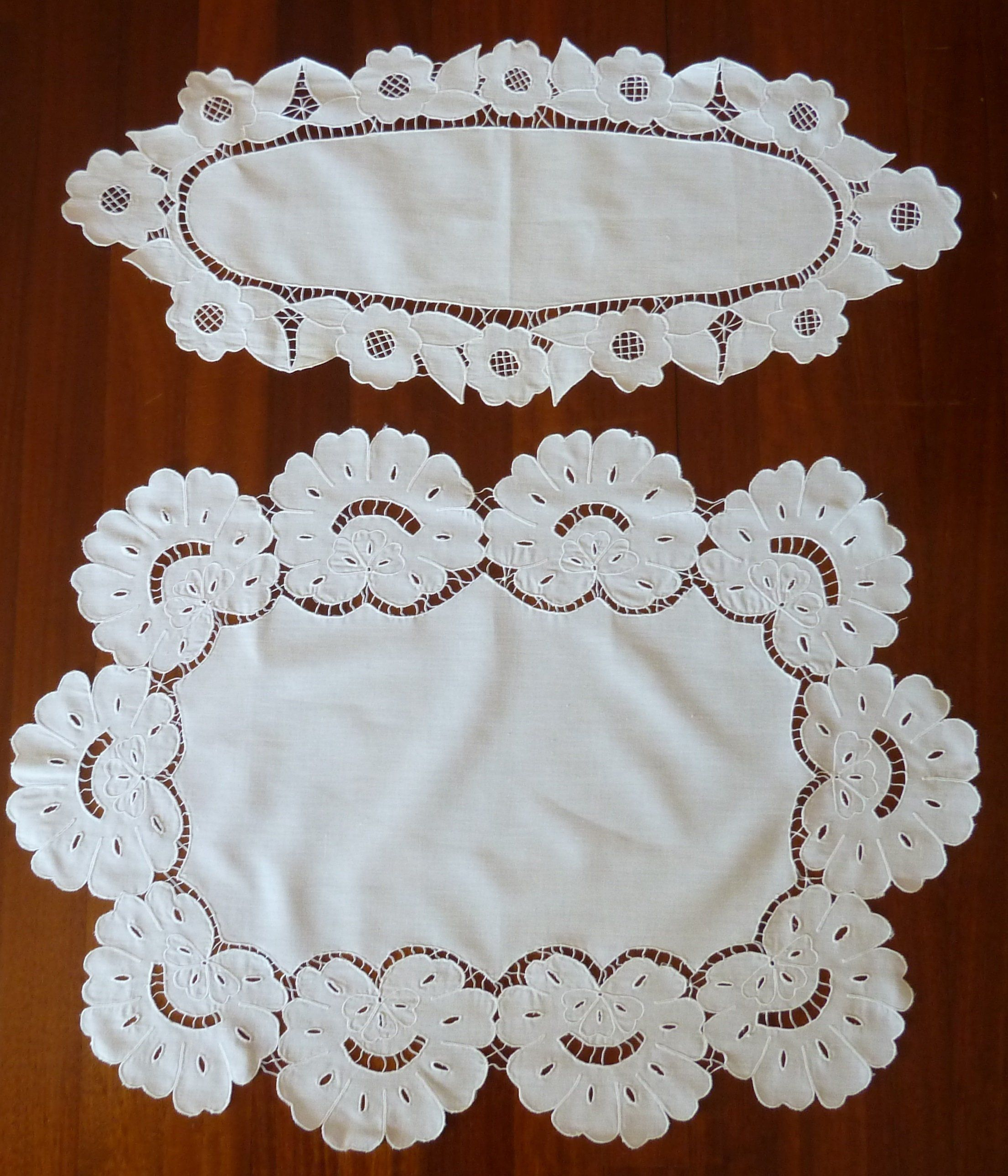 Two Vintage Table Runners, Embroidered Small Tablecloths ...