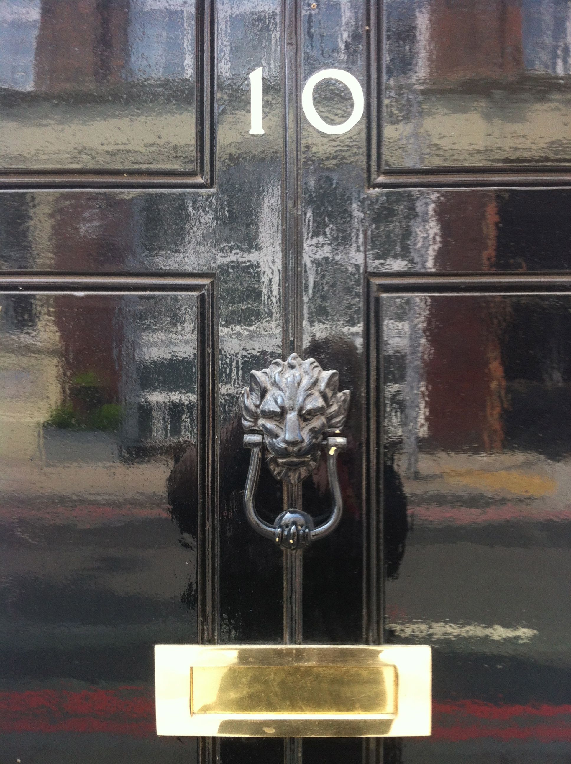 Close Up Of Number 10 Downing Street With Images Number 10