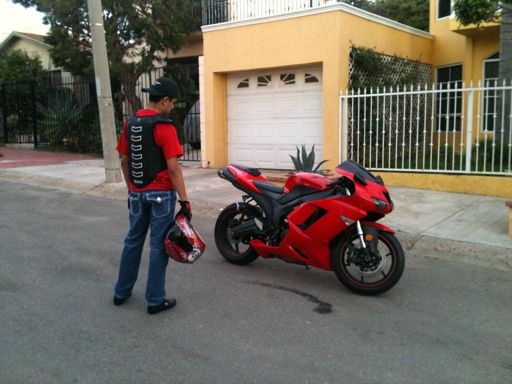 me and my bike : Kawasaki ZX Forums: Kawasaki Ninja Forum