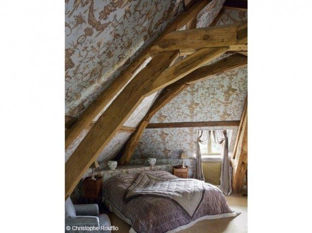 chambres sous les combles on pinterest attic apartment beams and mezzanine. Black Bedroom Furniture Sets. Home Design Ideas