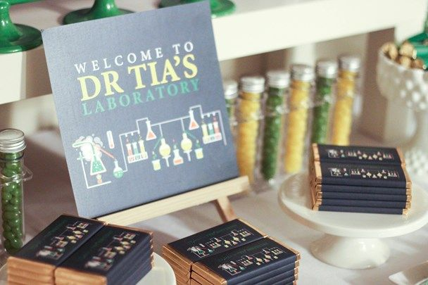 We Heart Parties: Dr Tia's Science Themed Birthday