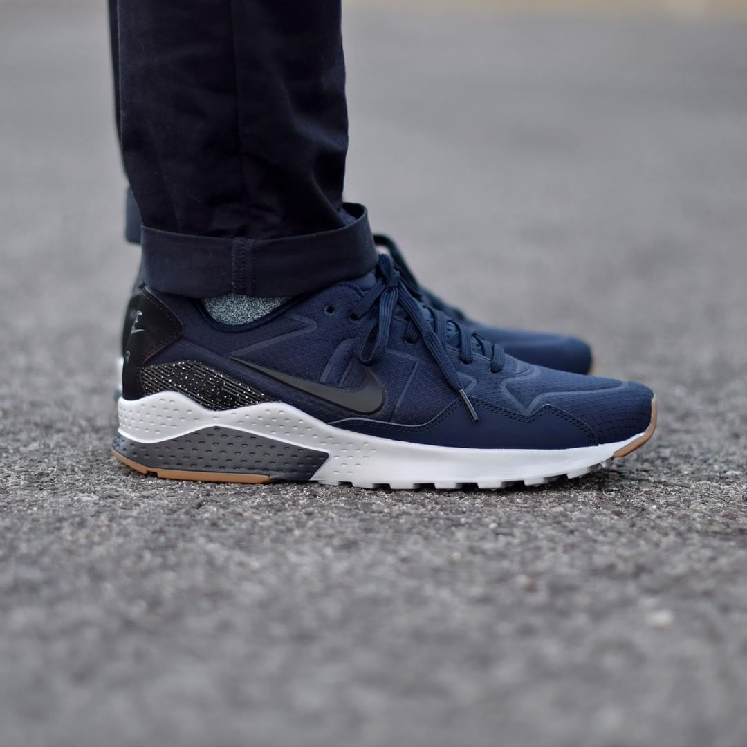 Nike Zoom Pegasus 92 Navy . Disponible/Available: SNKRS.COM