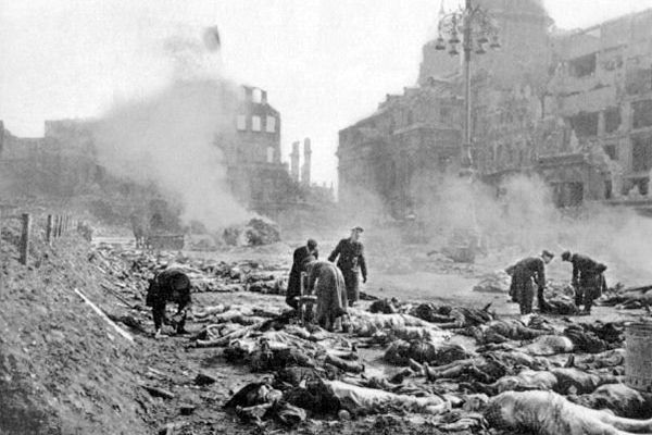 "19 Sep 43: British Air Ministry says that Hamburg now lies in absolute ruins and is ""probably the most complete blotting out of a city that ever happened."" #WWII"