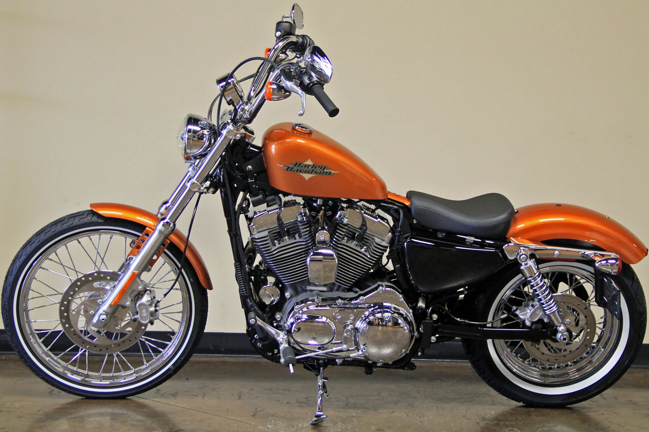 2014 harley davidson seventy two in amber whiskey i like this colour but i also love hard candy chrome flake