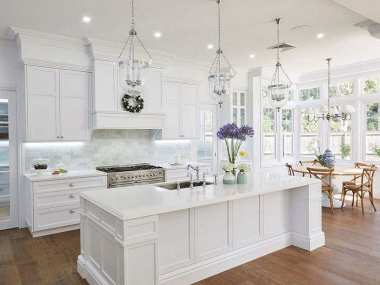 Best 25 Handsome Hamptons Kitchen Interior Design For Stylish 400 x 300