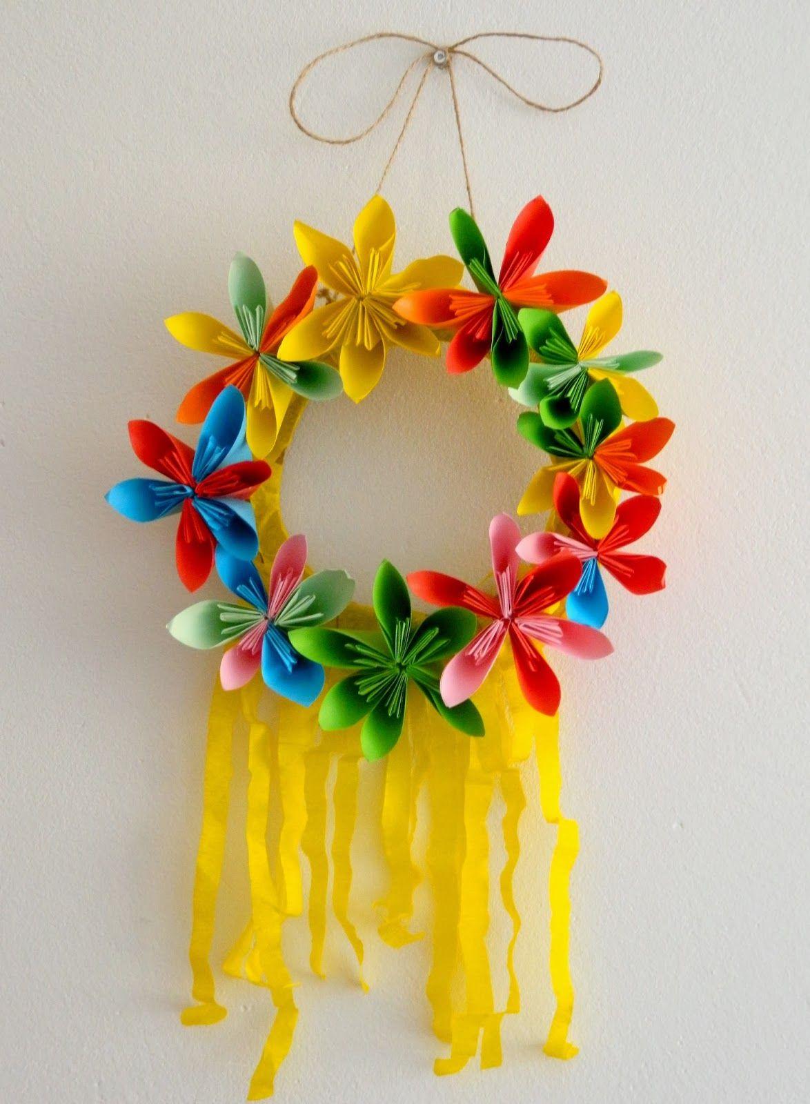 Pais Sobre El Arco Iris Soleado Corona De Flores Para La Primavera