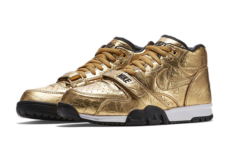 Nike Drops Two Gold-Themed Colorways for the Super Bowl 50