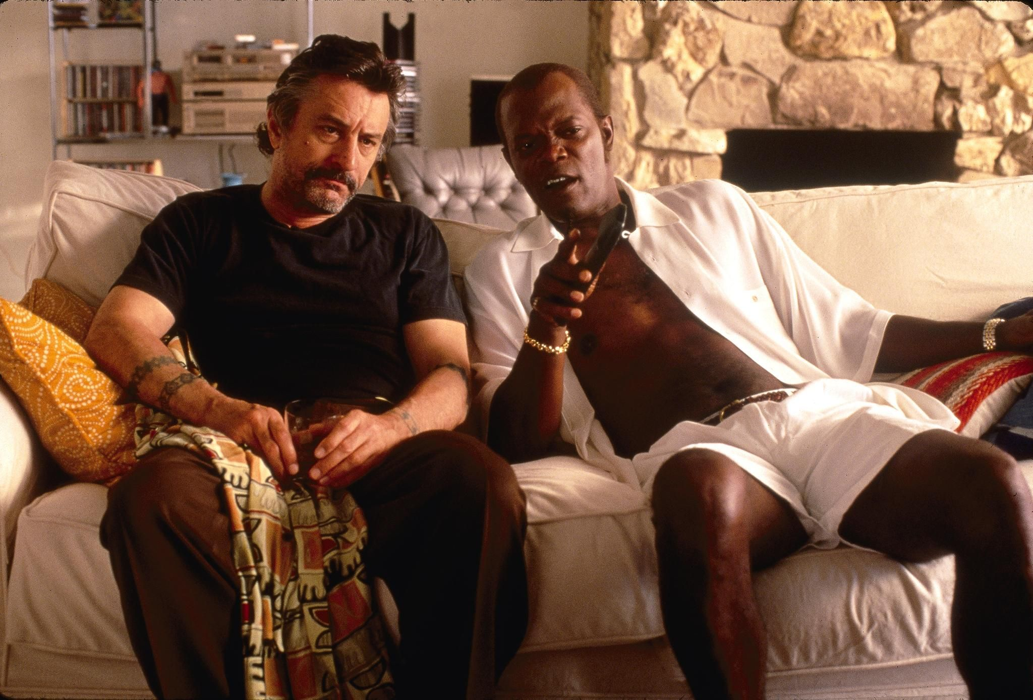 """Jackie Brown Movie Quotes: Robert DeNiro Samuel L. Jackson In A Scene From """"Jackie"""