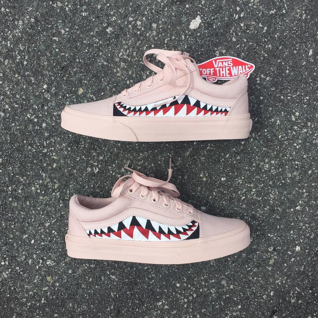 f60f096e11a94a Mono Pink Sharktooth Custom Vans Old Skool