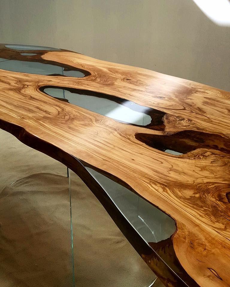 Tavolo in resina trasparente con legno di olivo un design for Tavolo in legno design
