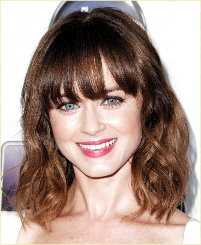 Styling Tipps Kurze Haare Styling Tipps A Figur Styling Tipps Kleine Frauen Styling Tipps Jog Wavy Hairstyles Medium Hairstyles With Bangs Medium Hair Styles